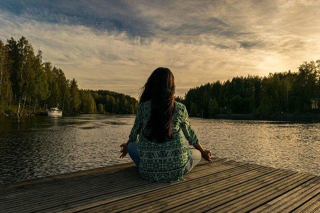 ¿QUÉ HACE LA MEDITACIÓN EN NUESTRO CEREBRO?